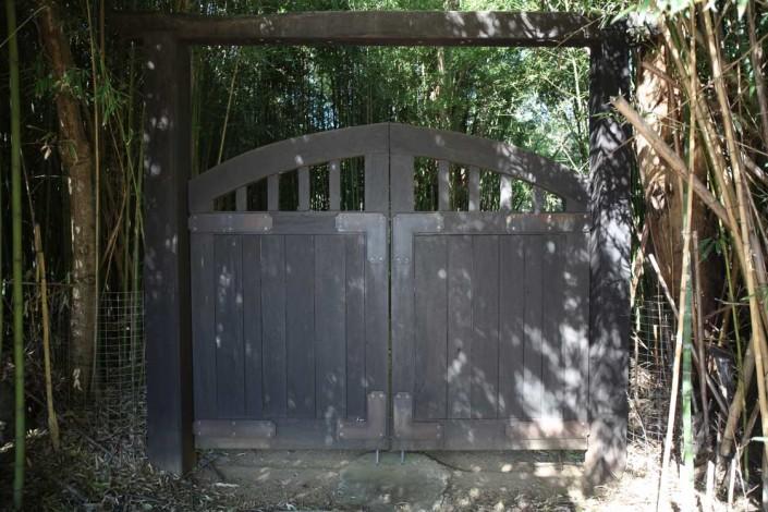 Balinese gate, balinese entrance, timber gate