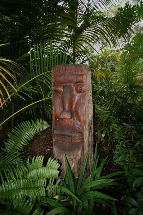timber carving, tiki, balinese, garden statue